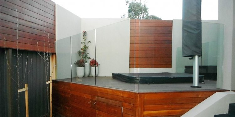 Fully Frameless Glass Pool Fencing - 2 Types - Glass Pool Fencing