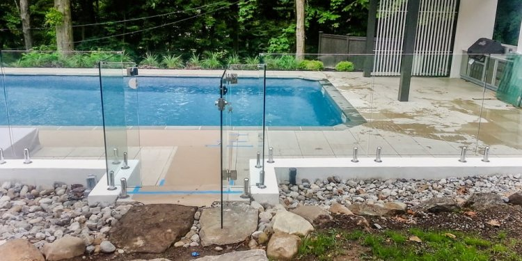 Glass swimming pool fencing from New york Manhattan Staten island