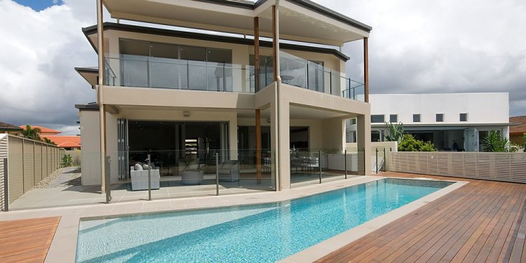 The Benefits of Glass Pool Fencing in Brisbane - Absolut Custom Glass