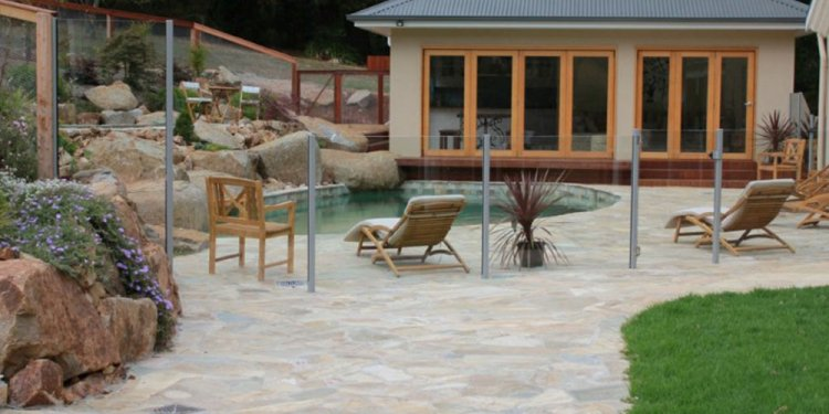 Affordable Glass pool Fencing