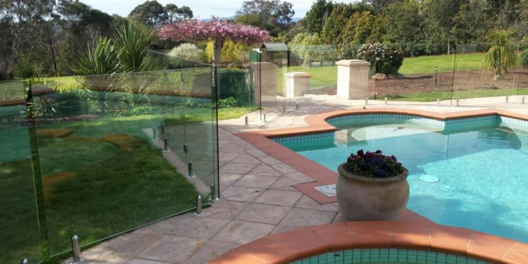 Frameless Glass pool fence installation